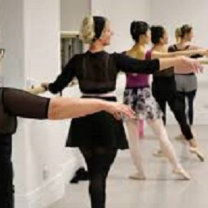 ONLINE BALLET COURSE IN THE UK WITH A CERTIFIED BALLET INSTRUCTOR